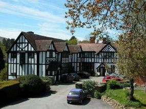 Caer Beris Pet-friendly Hotel Powys Mid Wales | dogs welcome